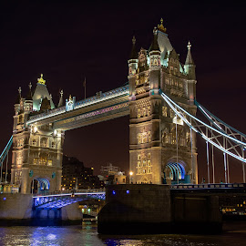 Tower Bridge at night by Agne Pociute - Buildings & Architecture Bridges & Suspended Structures ( tower, thames, london, night, bridge )