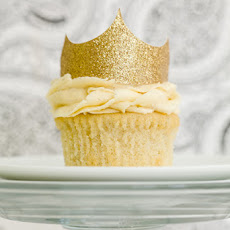 Vanilla Cupcake Recipe – The Ultimate Vanilla Cupcake Test Baked by 50 Bakers and Counting
