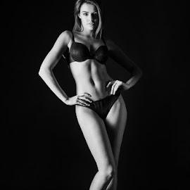 by Pawel Wodnicki - Nudes & Boudoir Boudoir