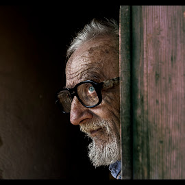 Behind Blue Eyes by Petrea Ionut - People Portraits of Men ( wrinkles, old, glasses, blue, sad, men, people, portrait, eyes,  )