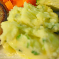 Garlic Herbed Mashed Potatoes (Bahama Breeze's Recipe)