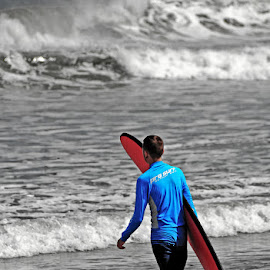 by Stefan Ho - Sports & Fitness Surfing