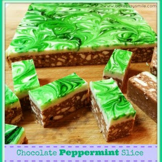 Super Easy Chocolate Peppermint Slice