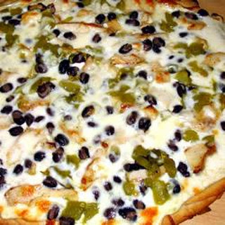 Creamy Black and White Pizza