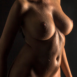 Body curves by Thomas ST0LL - Nudes & Boudoir Artistic Nude