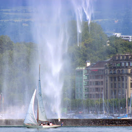 Sailing Under Water Drops by Gianni Frasca - Sports & Fitness Other Sports ( water, sailing, sports, switzerland, lake )