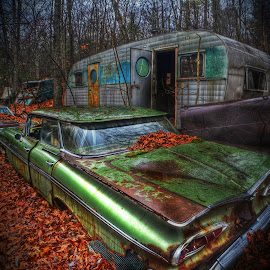 Trailer Trashed by Urban Xploration - Transportation Automobiles (  )