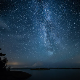 August night sky by Olli-Pekka Juhola - Landscapes Starscapes ( clouds, milkyway, sky, stars, shooting star, sea, night, milky way )