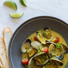 Coconut and Green Curry Steamed Clams