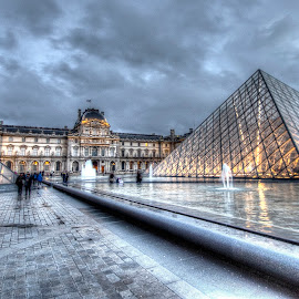 Louvre 11 by Ben Hodges - Buildings & Architecture Public & Historical ( paris ·     louvre ·     statue ·     old ·     hdr ·     pyramid ·     fountain ·     france ·     historical ·     public ·     rain · )