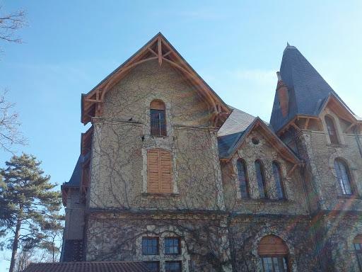 Chateau De Montanet