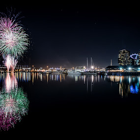 Docklands fireworks  by Zubair Aslam - Abstract Fire & Fireworks ( melbourne, firework, fireworks, night, docklands, city,  )
