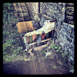 Weatherbeaten chair by Elaine Alberts - Novices Only Objects & Still Life ( #weatherbeaten, #weather, #chair )