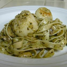 Pesto and Scallop Linguine