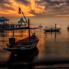 Perahu Nelayan by Agus Sudharnoko - Transportation Boats