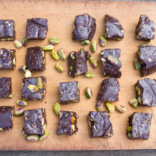 Raw Chocolate, Sea Salt, & Pistachio Chunks