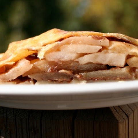 Papa's Apple Cardamom Pie