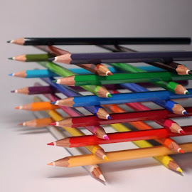 Crayons 2 by Erick Castro Alvarado - Artistic Objects Education Objects ( pencil, colorear, color, lápices, pintar, crayons,  )