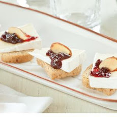 Brie and Sour Cherry Toast Bites