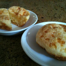 Pao de Queijo (Cheese Puffs-Brazilian)