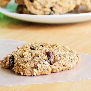 Flourless Oatmeal-Raisin Cookies