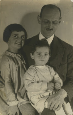 Otto Frank with his daughters Margot and Anne, August 1931.