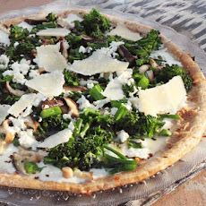Skillet Pizza With Broccolini and Mushrooms