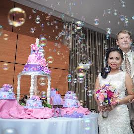Tim & Pie Wedding (Cake Cutting) by Alvin Dacanay - Wedding Reception
