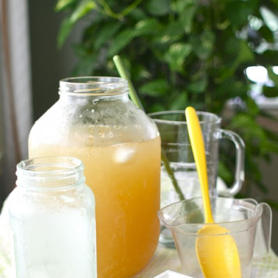 Lemon Balm-Infused Lemonade