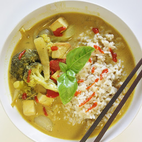 Curry With Tofu and Grilled Vegetables