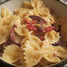 Sun-Dried Tomato and Bow Tie Pasta