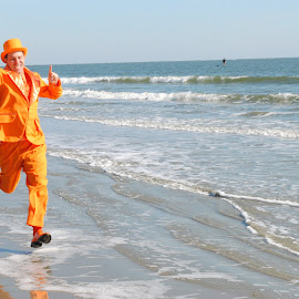 Polar Plunge by Prentiss Findlay - News & Events Entertainment ( polar, ocean, beach, surf, new year's day,  )
