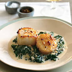 Seared Scallops on Spinach with Apple-Brandy Cream Sauce