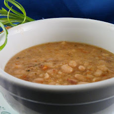 Crock Pot White Bean Soup With Bacon
