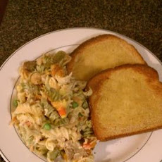 Rainbow Rotini, Chicken & Broccoli Casserole