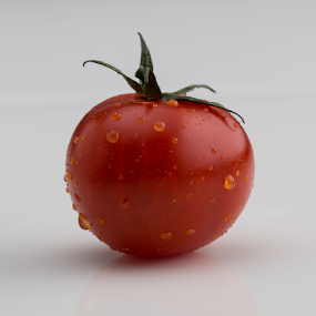Fresh Tomatoes by Avi Chatterjee - Food & Drink Fruits & Vegetables ( organic, foods, red, tomato, fresh, fruits, vegetables )