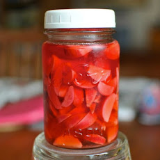 Quick Pickled Radishes