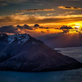 Cecil Peak by Pete Whittaker - Landscapes Sunsets & Sunrises ( mountain, sunset, vista, lake, landscape, new zealand )