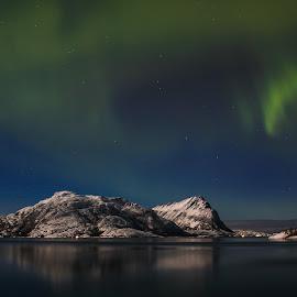 Aurora by Elisabeth Sjåvik Monsen - Landscapes Weather ( mountain, winter, sea, north, coast, norway,  )