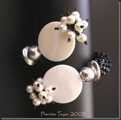 Black & Pearl bracelet 02 copy