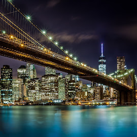 BROOKLYN BRIDGE INTO MANHATTAN by Julio Gonzalez - Buildings & Architecture Bridges & Suspended Structures ( brooklyn bridge, night, manhattan )