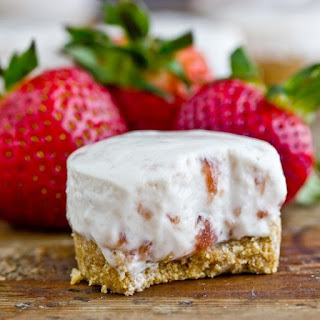 No-Bake Strawberry Cheesecakes