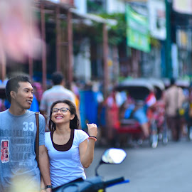 a couple by Achmad Ramadan - People Street & Candids