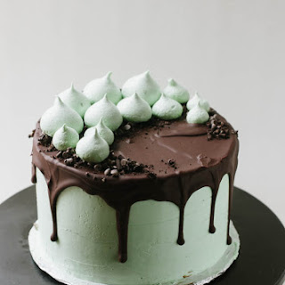 Mint Chocolate Chip Cookie Crunch Cake