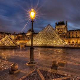 Louvre Night 4 by Ben Hodges - City,  Street & Park  Night ( paris ·     louvre ·     statue ·     old ·     hdr ·     pyramid ·     fountain ·     france ·     historical ·     public ·     rain · night, long exposure )