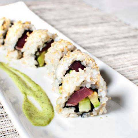 Seared Tuna Roll With Basil Sauce