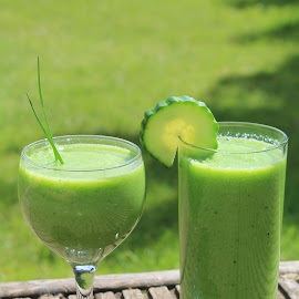 Healthy green smoothie by Jo Millington - Food & Drink Alcohol & Drinks ( green, smoothie, healthy, blended, health )