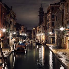 Rondò veneziano by Mat Dur - City,  Street & Park  Night ( venezia, night photography, venice, night, night shot )