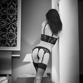 i love u'r sexy back by Bogdan T. Fotografie - Nudes & Boudoir Boudoir ( stockings, nude, boudoir, art, panties, back, legs, ass, fetish, black )