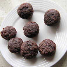 Whole Wheat Vegan Chocolate Zucchini Mini Muffins